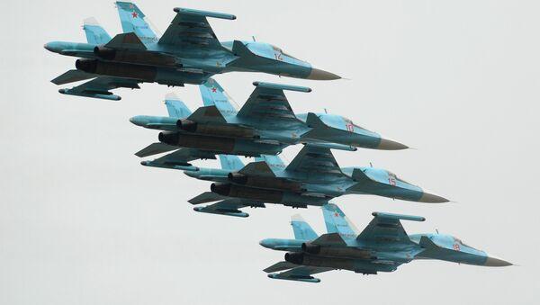 Cazas rusos Su-34 (archivo) - Sputnik Mundo