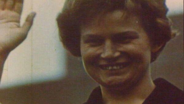 La primera mujer cosmonauta del planeta celebra su 81 cumpleaños - Sputnik Mundo