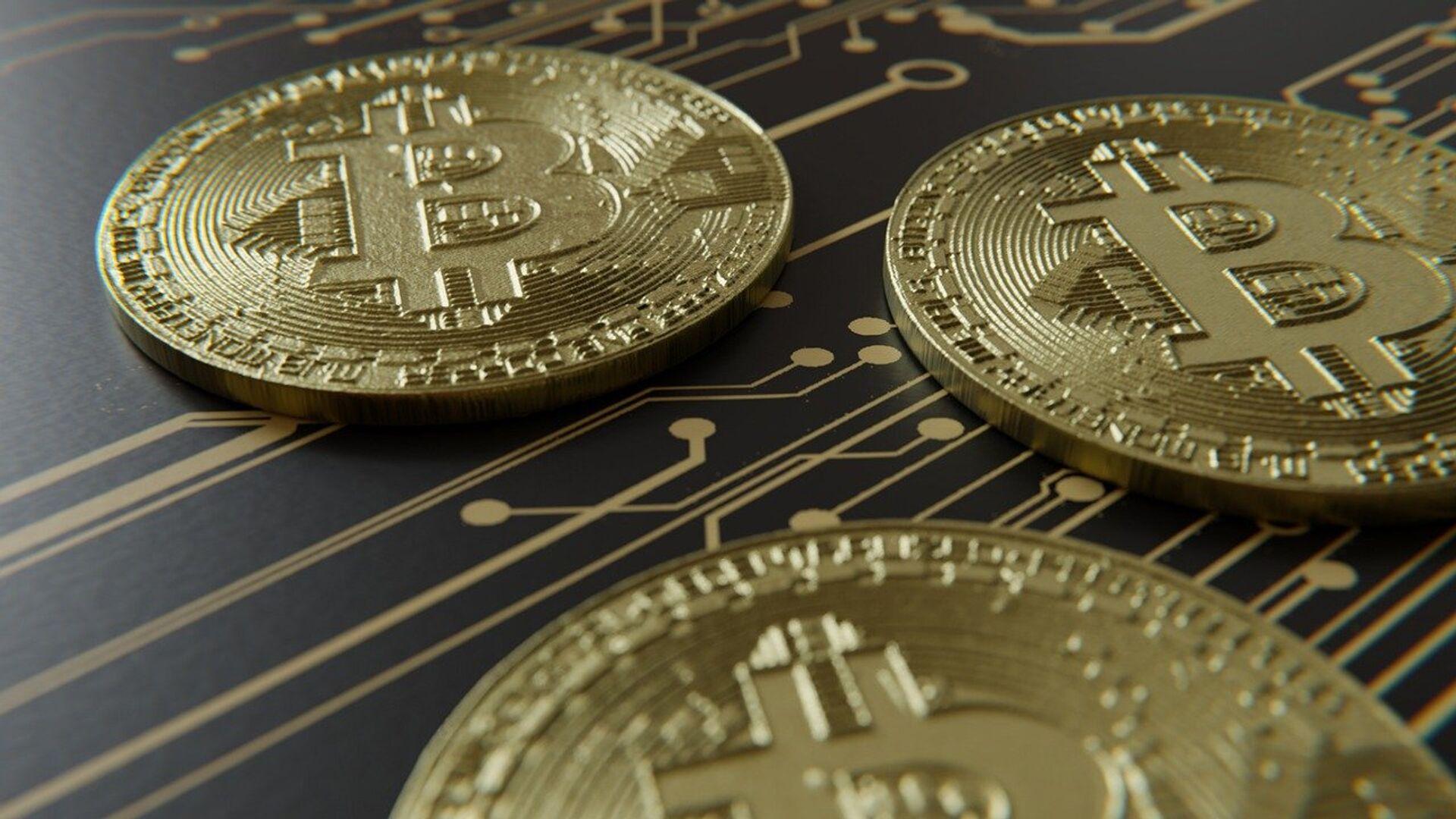 Bitcoin (imagen referencial) - Sputnik Mundo, 1920, 07.06.2021