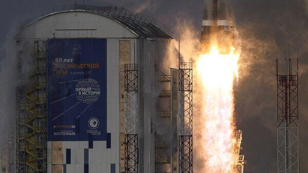 El cohete portado Soyuz-2.1b en el momento de despegue (archivo) - Sputnik Mundo