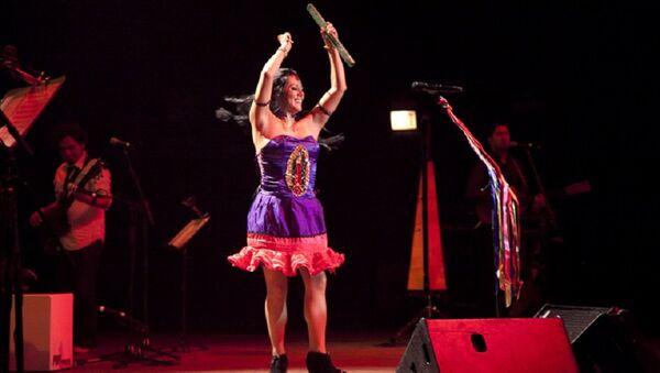 La cantautora mexicana Lila Downs - Sputnik Mundo