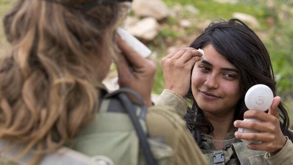Soldados israelíes del batallón de sexos mixtos de Leones del Jordán - Sputnik Mundo