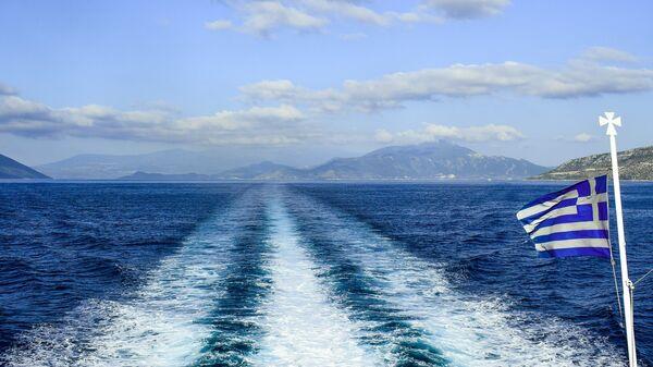 Las aguas del Egeo y la bandera de Grecia - Sputnik Mundo