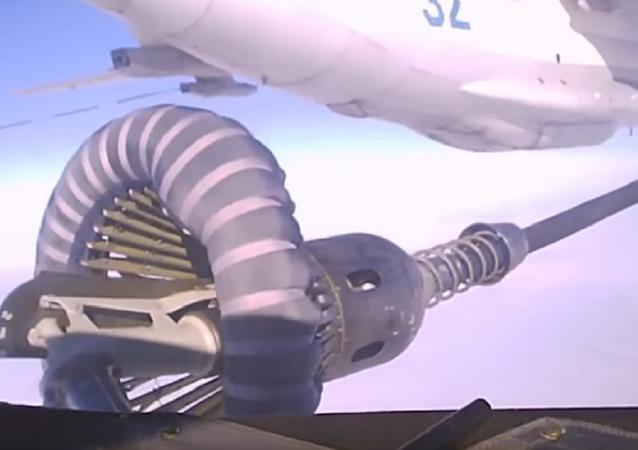 Así se reabastecen sobre los cielos de Crimea los aviones de combate rusos