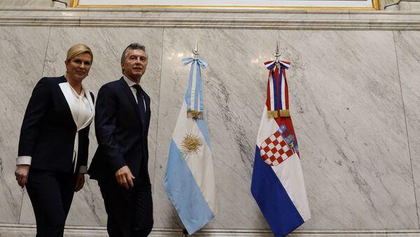 El presidente de Argentina, Mauricio Macri, con la presidenata croata, Kolinda Grabar-Kitarovic - Sputnik Mundo