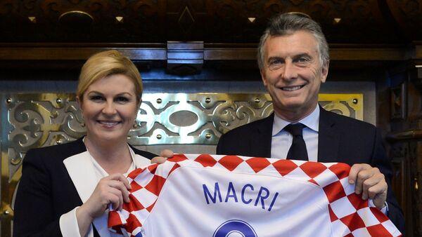 La presidenata croata, Kolinda Grabar-Kitarovic, y el presidente de Argentina, Mauricio Macri - Sputnik Mundo