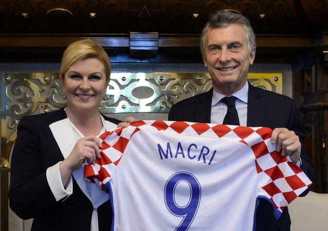 La presidenata croata, Kolinda Grabar-Kitarovic, y el presidente de Argentina, Mauricio Macri