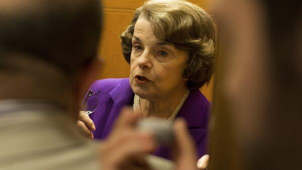 La senadora estadounidense Dianne Feinstein - Sputnik Mundo