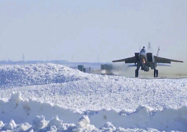 MiG-31 durante el ensayo del sistema de misiles Kinzhal