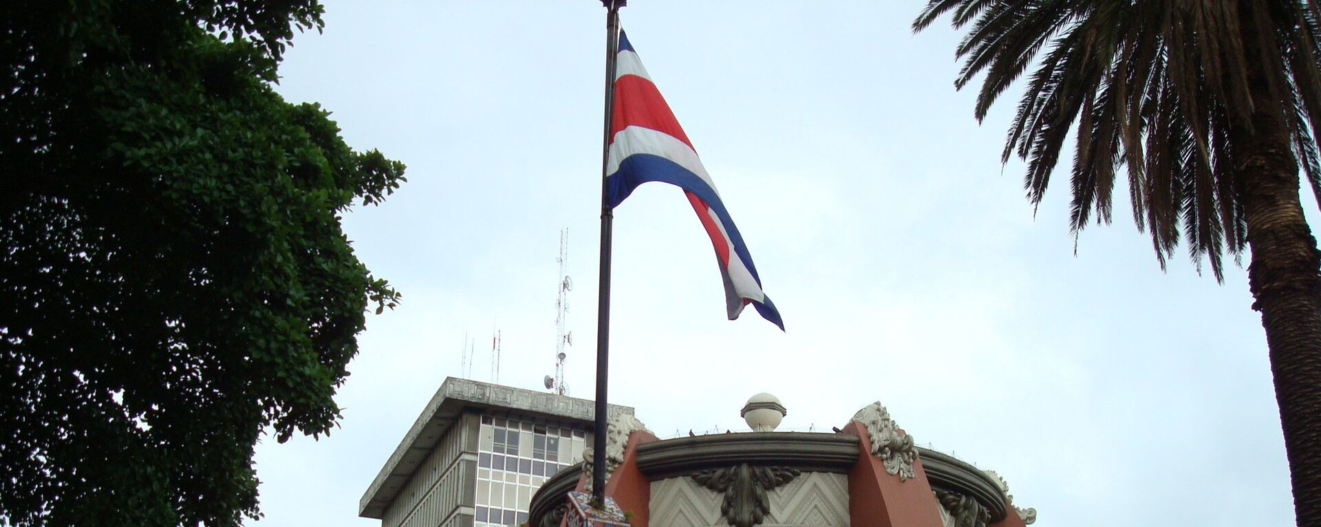 La bandera de Costa Rica en San José, la capital del país - Sputnik Mundo, 1920, 04.04.2021