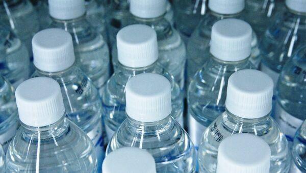 Botellas de agua (imagen referencial) - Sputnik Mundo