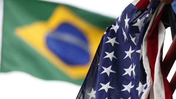 Banderas de Brasil y EEUU - Sputnik Mundo