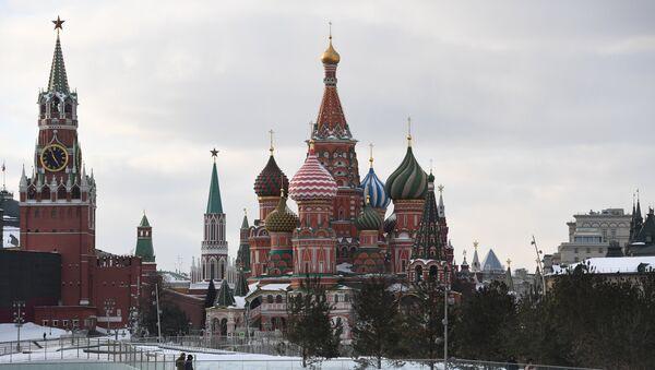 La Catedral de San Basilio en la Plaza Roja de Moscú, en el centro de la capital de Rusia - Sputnik Mundo