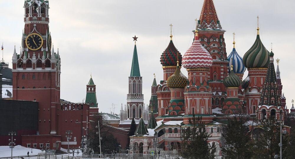 La Catedral de San Basilio en la Plaza Roja de Moscú, en el centro de la capital de Rusia