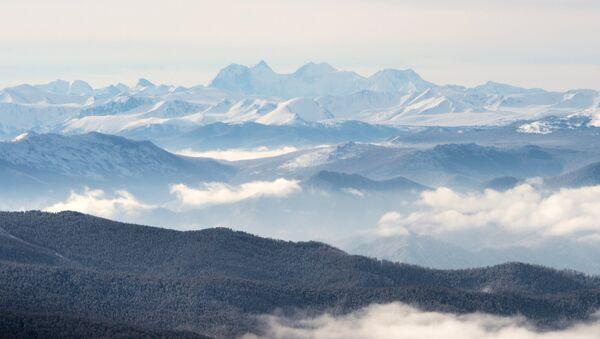 El monte Beluja en la república de Altái - Sputnik Mundo