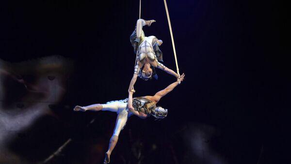 Acróbatas del Cirque du Soleil, imagen ilustrativa - Sputnik Mundo