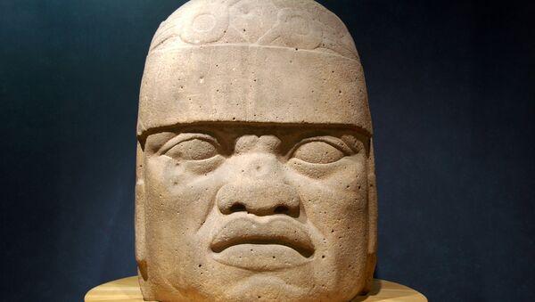 La cabeza colosal de la civilización olmeca - Sputnik Mundo