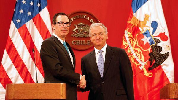 Secretario del Tesoro de EEUU, Steven Mnuchin, y ministro de Hacienda de Chile, Felipe Larraín - Sputnik Mundo