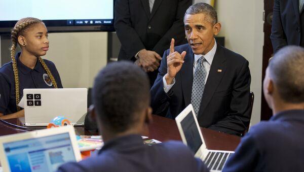 Barack Obama, expresidente de EEUU, durante evento con escolares acerca de programación - Sputnik Mundo