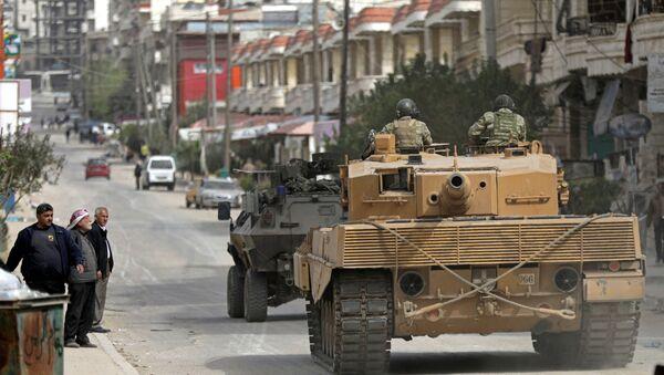 Tanques turcos en Afrín, Siria - Sputnik Mundo