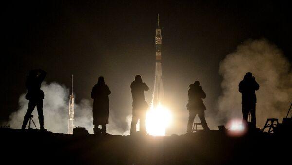 El lanzamiento de un cohete Soyuz - Sputnik Mundo