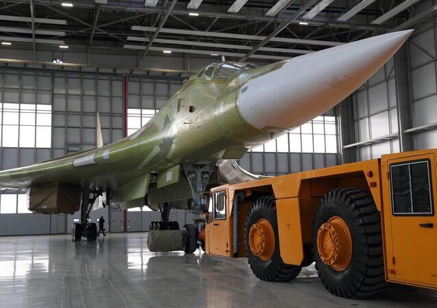 El bombardero ruso Tu-160M2