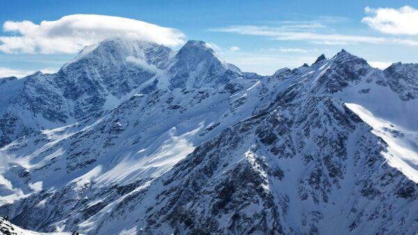 Montañas nevadas - Sputnik Mundo