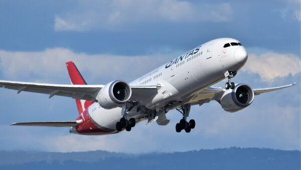 El Boeing-787 Dreamliner de la aerolínea Qantas - Sputnik Mundo