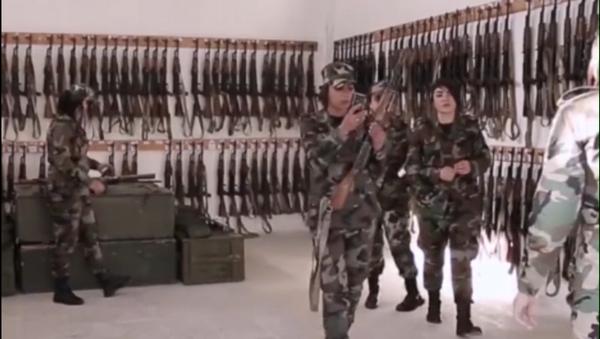 Trenzas de Fuego: un destacamento de mujeres sirias, en defensa de Guta Oriental - Sputnik Mundo