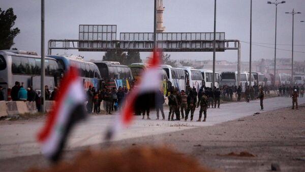 La evacuación de los rebeldes de Guta Oriental, Siria - Sputnik Mundo