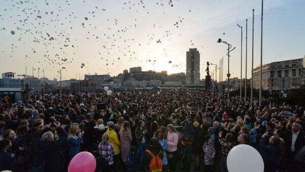 Homenaje a víctimas del incendio en la ciudad rusa de Kémerovo - Sputnik Mundo