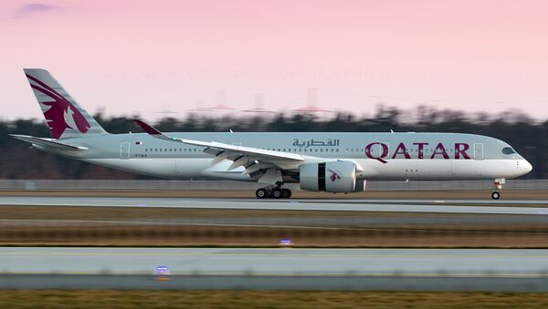 Un A350 de Qatar Airways - Sputnik Mundo