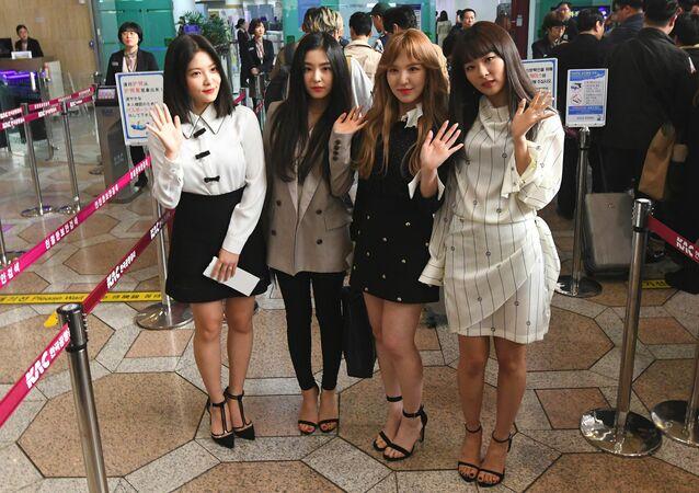 Las miembros del grupo de pop surcoreano Red Velvet