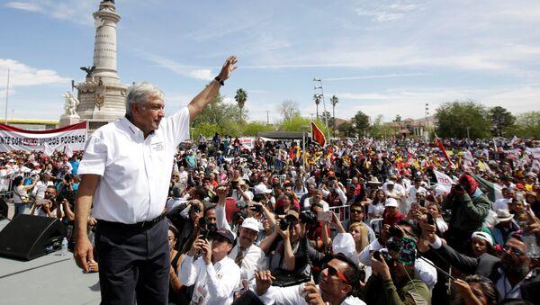 Andrés Manuel López Obrador, candidato de izquierda para las presidenciales en México - Sputnik Mundo