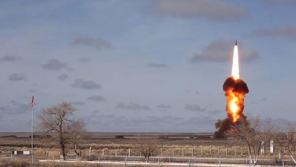 Ponen a prueba nuevo misil antibalístico ruso - Sputnik Mundo