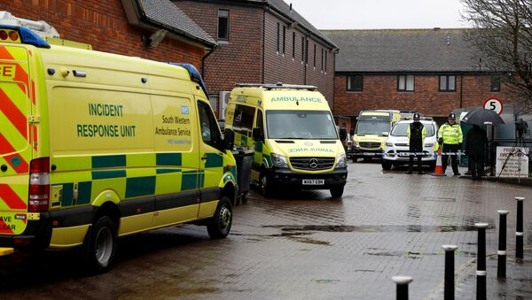 Servicios de emergencia en el lugar del envenenamiento de Serguéi Skripal en Salisbury, Reino Unido - Sputnik Mundo