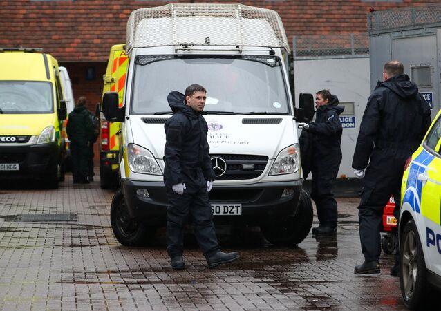 Policía británica cerca de la casa de Serguéi Skripal en Salisbury, el Reino Unido