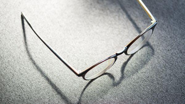 Gafas (imagen referencial) - Sputnik Mundo