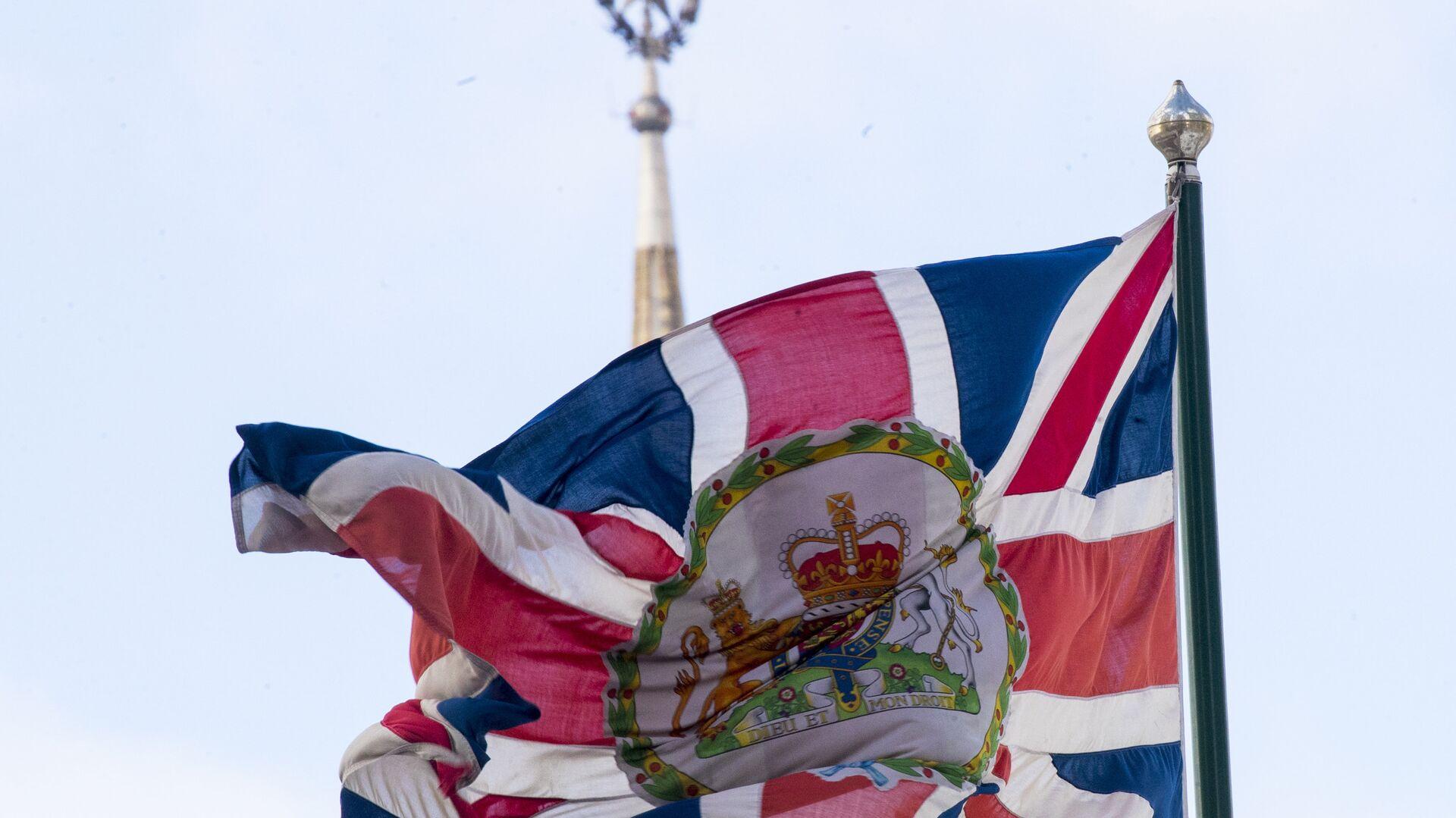 La bandera del Reino Unido en la Embajada británica en Moscú - Sputnik Mundo, 1920, 26.04.2021