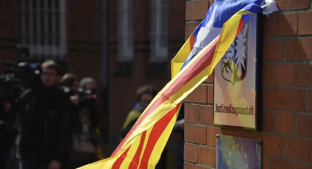 La bandera independentista catalana en la prisión de Neumünster, Alemania