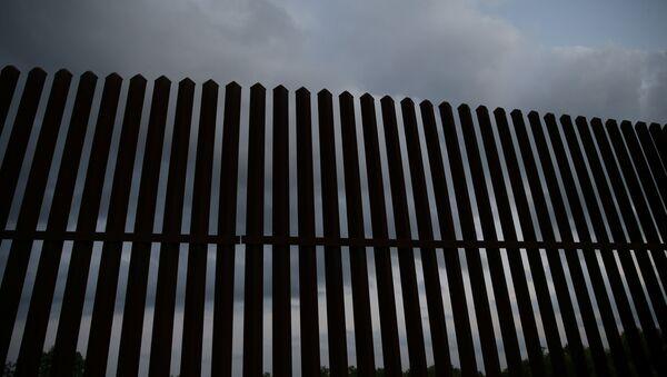 La frontera entre EEUU y México - Sputnik Mundo