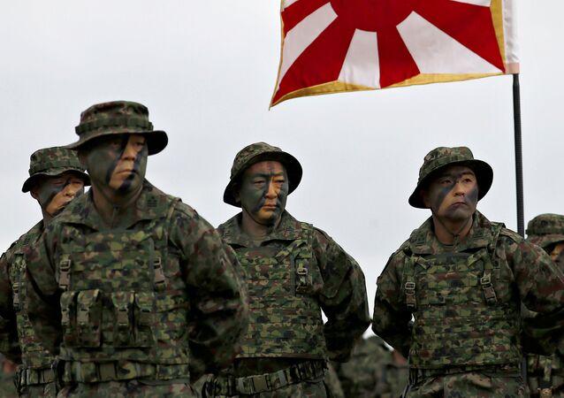 Marines japoneses de la Brigada Anfibia de Despliegue Rápido