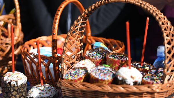 Los creyentes ortodoxos celebran la fiesta más importante del cristianismo - Sputnik Mundo