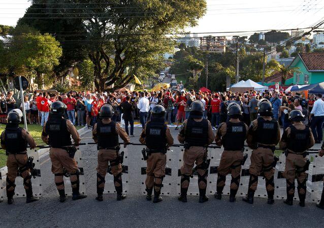 Seguidores de Lula en Curitiba