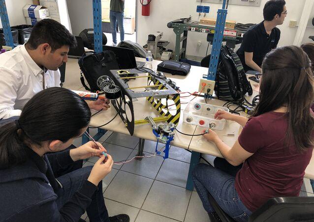 Estudiantes mexicanos desarrollan ROV Submarino