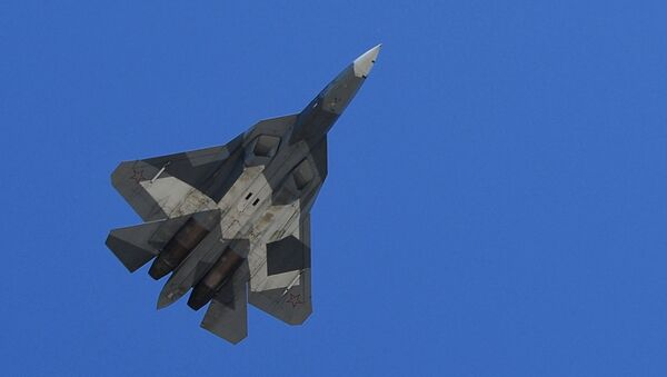 Los Su-57, en todo su esplendor: las Fuerzas Aéreas de Rusia ensayan el desfile del Día de la Victoria - Sputnik Mundo