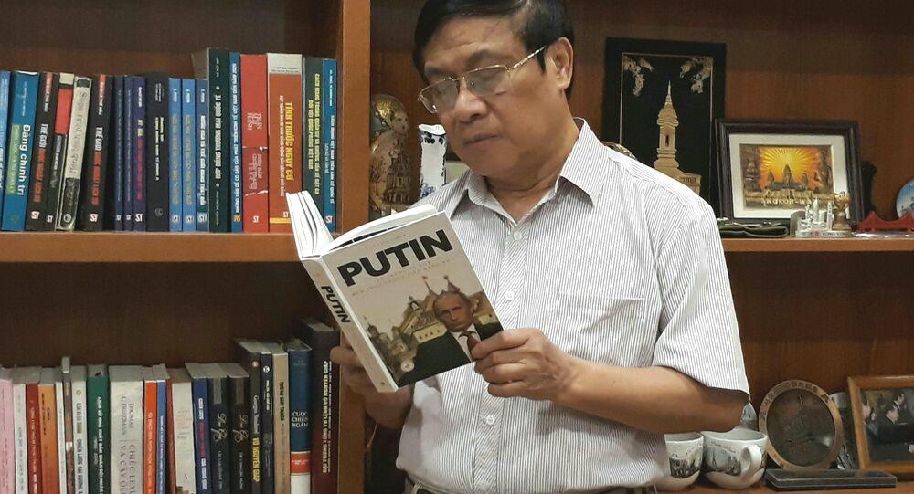 Coronel Le The Mau, autor del libro 'Rusia y el mundo en la era Putin'.