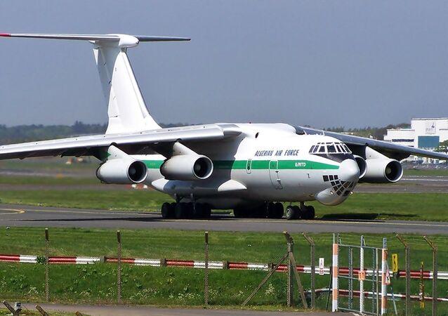 Un avión argelino IL-76