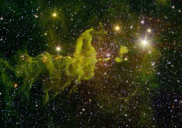 Una imagen de la nebulosa IC 417 sacada por el telescopio espacial Spitzer (archivo)