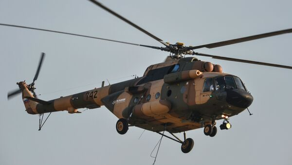 Un helicóptero ruso Mi-17V5 - Sputnik Mundo